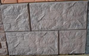 Фасадная цокольная панель «Большой песчаник»